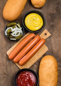 Bovenstaande hotdog-ingrediënten