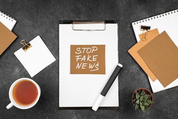 Bovenstaande weergave stop nepnieuws met notitieboekjes