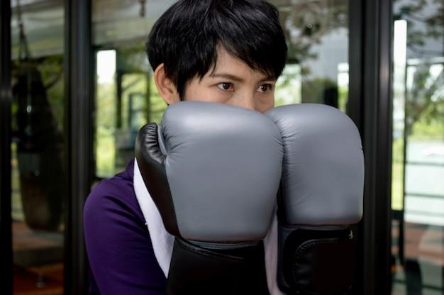 Boxers zijn bekwaam om met elkaar te vechten.