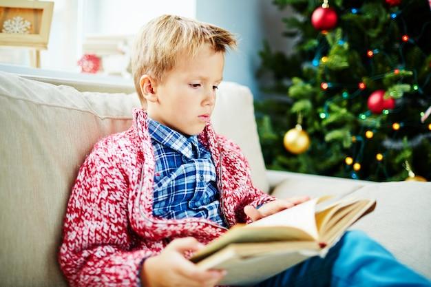 Boy lezen