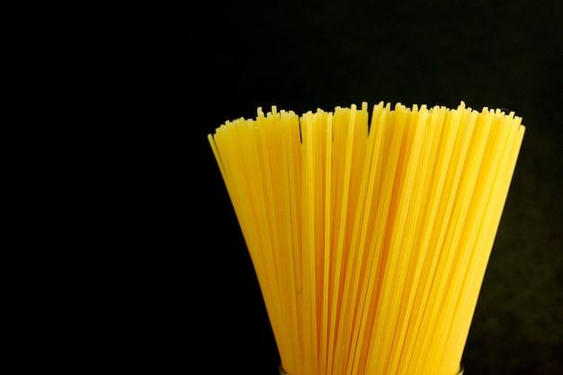 Braad rauwe spaghetti