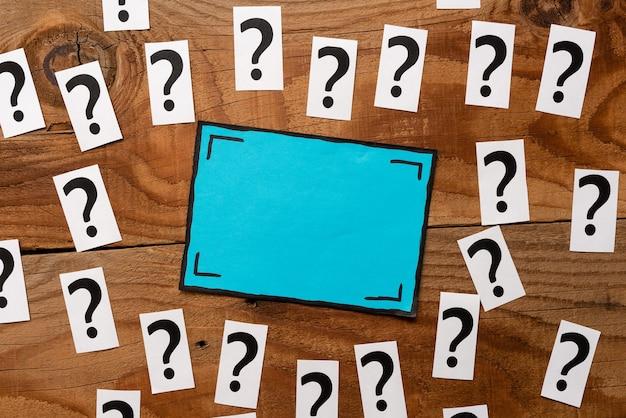 Brainstormen nieuwe ideeën inspiratie oplossingen, doorbraakproblemen verwarringen mysterie, nieuwe leermogelijkheden succes, vernieuwen idee wijsheid kennis