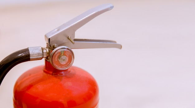 Brandblussers beschikbaar in brand noodsituaties.
