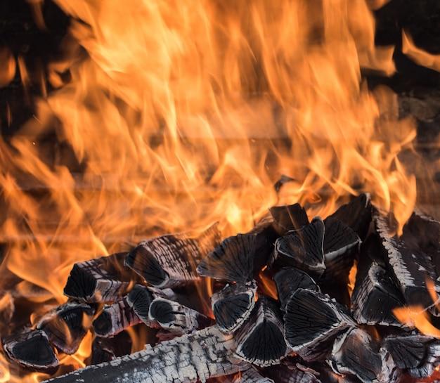 Brandend brandhout