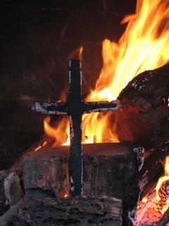 Brandend kruis, ketterij