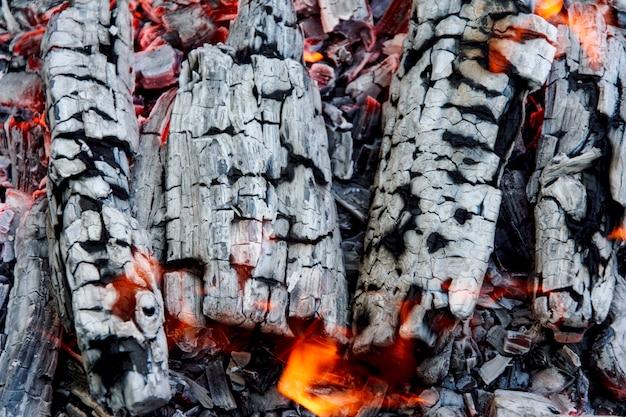Brandhout branden
