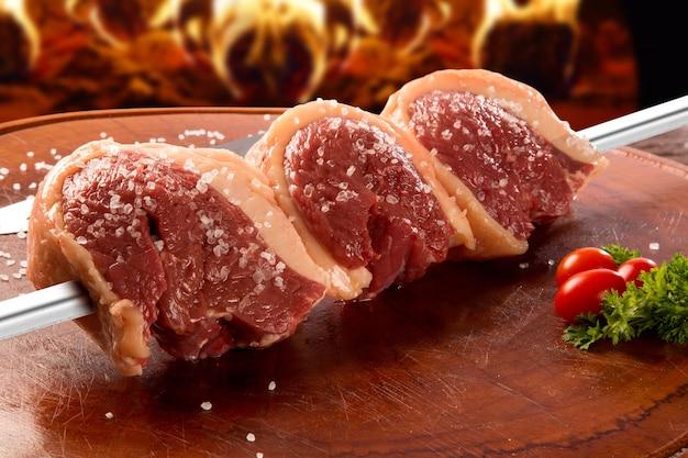 Braziliaanse picanha. rauw vlees.