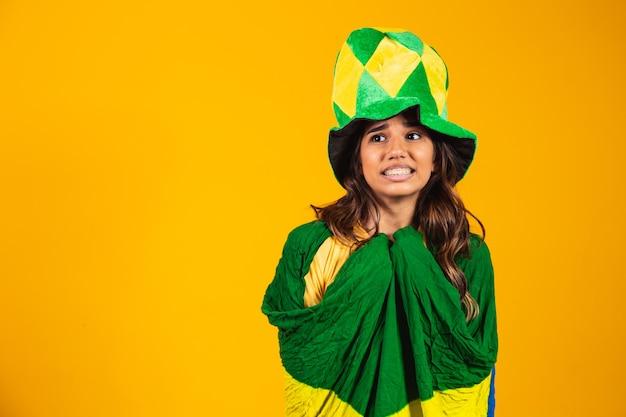 Braziliaanse supporter nerveus tijdens de wedstrijd