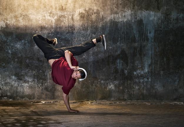 Breakdance-beweging tieners trendy lifestyle concept