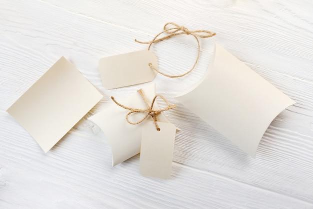 Brief, dozen bonbonnière en tag