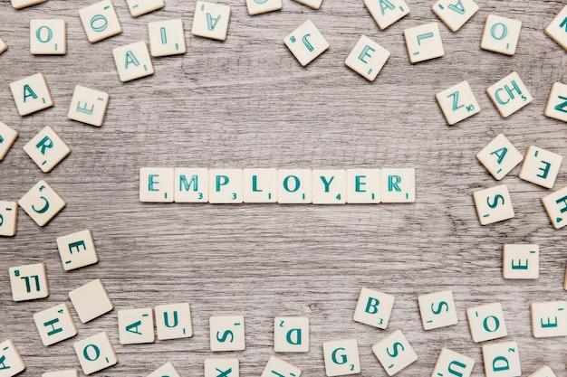 Brieven die het woord werkgever vormen