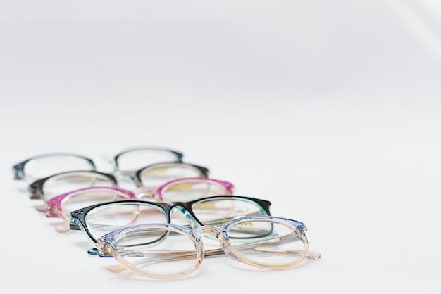 Bril geïsoleerd op witte achtergrond