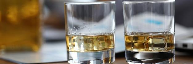 Bril met whisky
