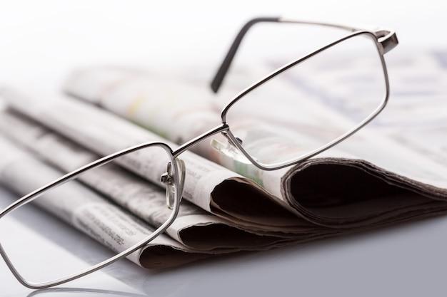 Bril op de kranten