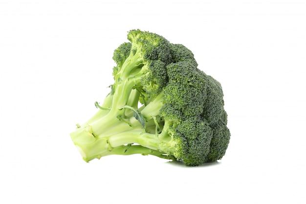 Broccoli die op wit worden geïsoleerd. verse groente