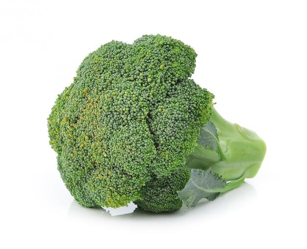 Broccoli die op witte ruimte worden geïsoleerd