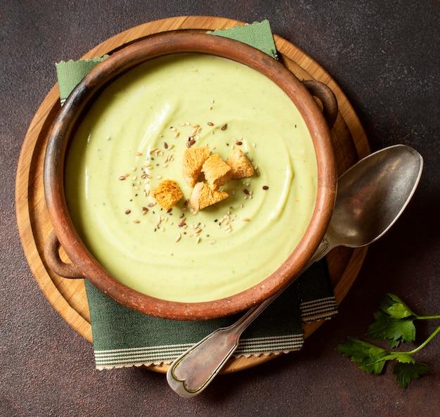 Broccolisoep wintervoer met croutons
