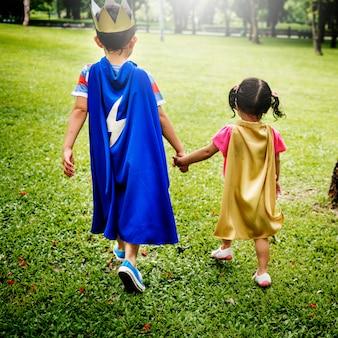 Broers en zussen dressup playtime park concept