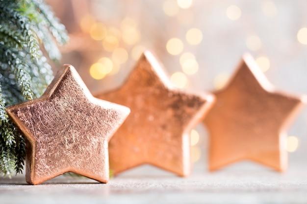 Bronzen kerstster versiering. feestelijke decoraties brons