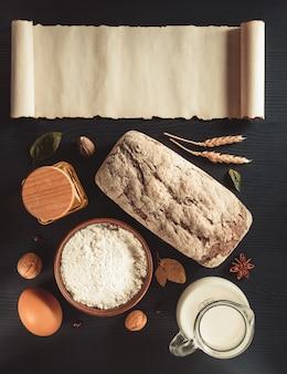 Brood en bakkerijproducten op houten achtergrond