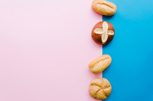 Brood met kleurenachtergrond