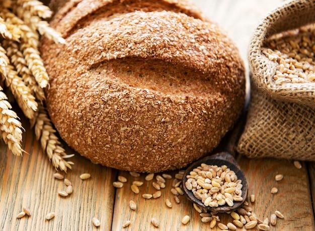 Brood op een tafel