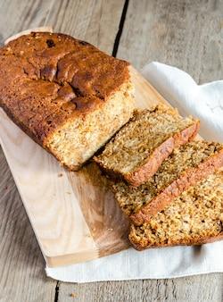 Brood van bananenbrood met appelconfiture