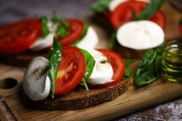 Broodjes caprese italiaans sfeergerecht