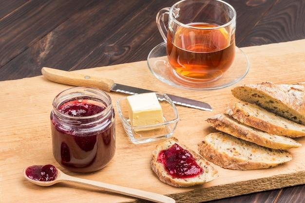 Broodjes met jam