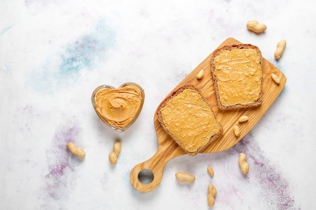 Broodjes met pindakaas