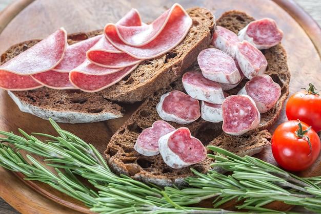 Broodjes met salami
