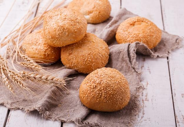 Broodjes met sesamzaad