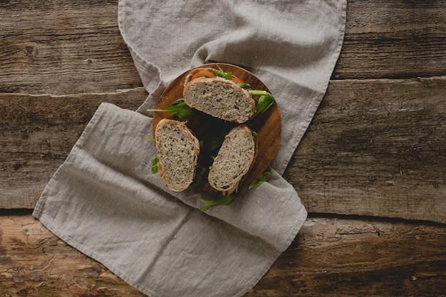 Broodjes op tafel