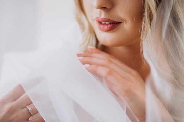 Bruid die voor haar huwelijk voorbereidingen treft