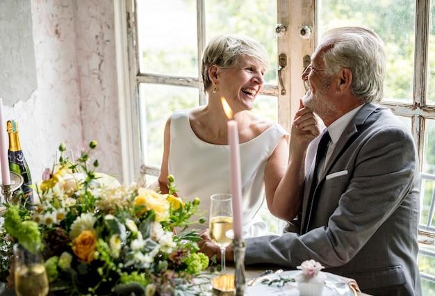 Bruid en bruidegom trouwdag