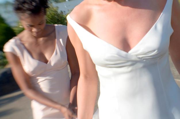 Bruid en bruidsmeisje permanent