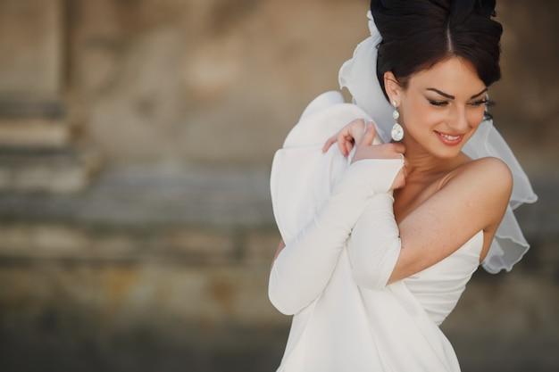 Bruid glimlacht