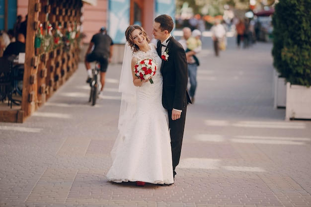 Bruid lachen met de bruidegom