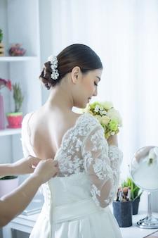 Bruid met jurk