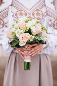 Bruid om op haar verloving te zijn