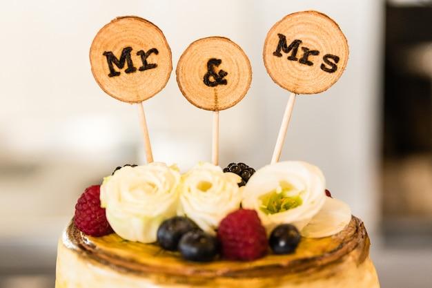 Bruids cake op huwelijksdag