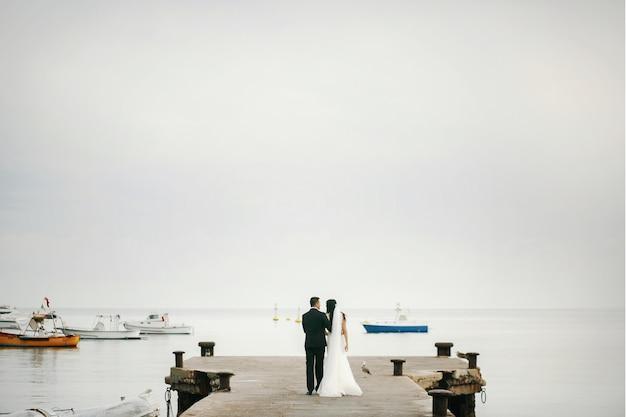 Bruids park bruiloft vrouw zee