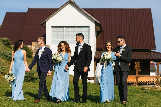 Bruidsmeisjes en bruidsmeisjes