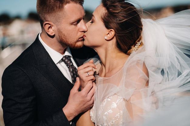 Bruidspaar aan de franse rivièra.