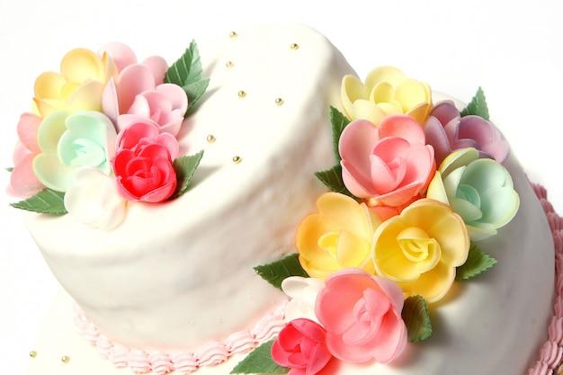 Bruidstaart met kleur flores