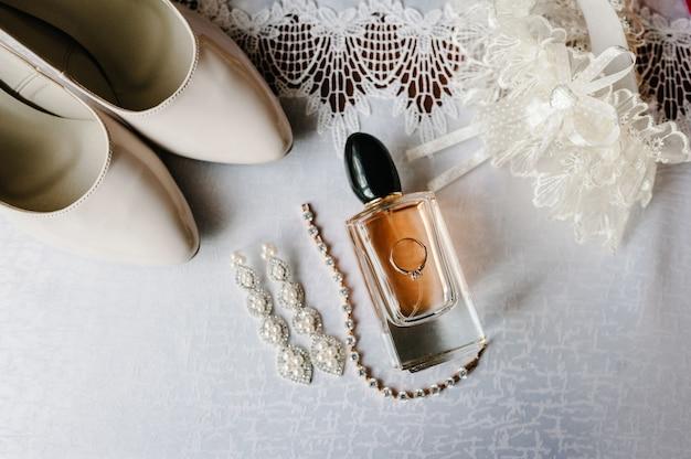 Bruiloft accessoire bruid