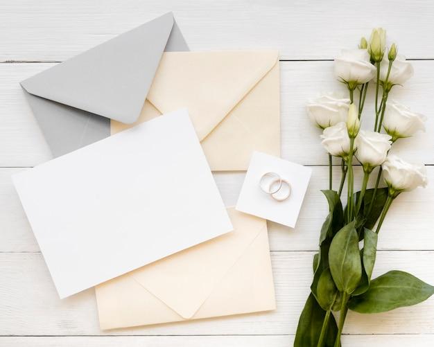 Bruiloft briefpapier met prachtige rozen