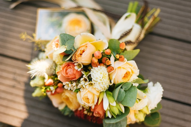Bruiloft bruids boeket bloemen, huwelijksceremonie concept