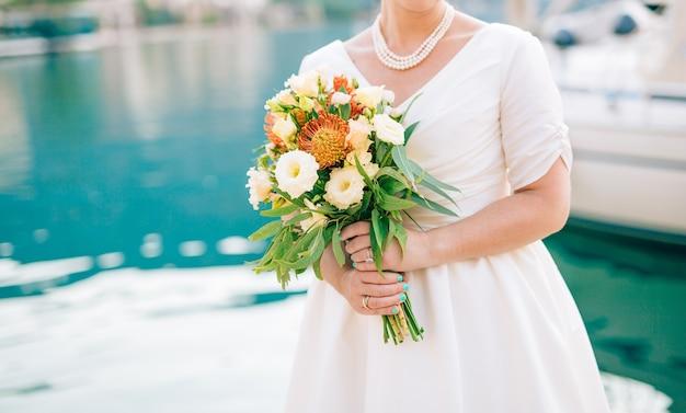 Bruiloft bruidsboeket van proteus verdure italiane lisianthus