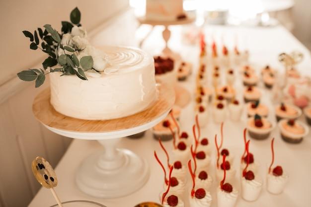 Bruiloftsnoepjes en -desserts